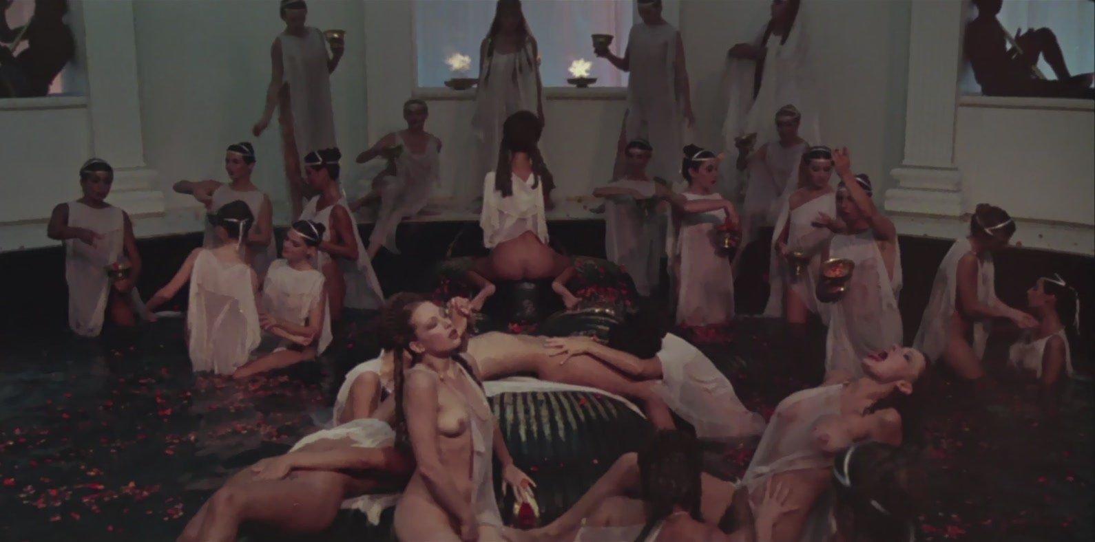 Секс кино калигула