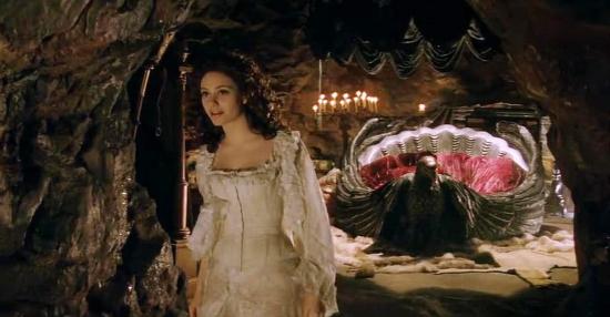 Phantom-of-the-opera-2004
